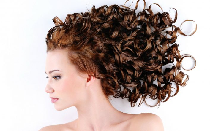 10 Best Hairstyles for Curly Hair